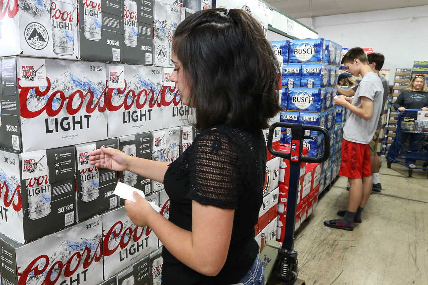 Teens to parents: Don't serve us booze over the Fourth