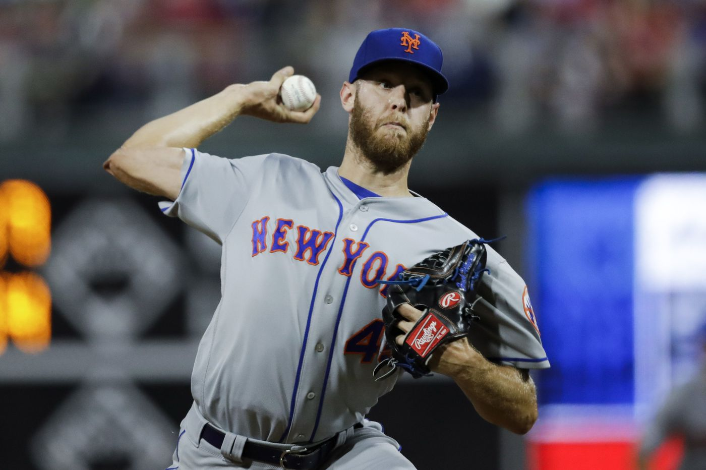 Phillies in mix for free-agent pitcher Zack Wheeler as bidding heats up, source says