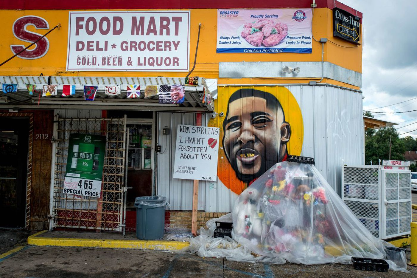 Alton Sterling's black life didn't matter to police or an attorney general | Solomon Jones
