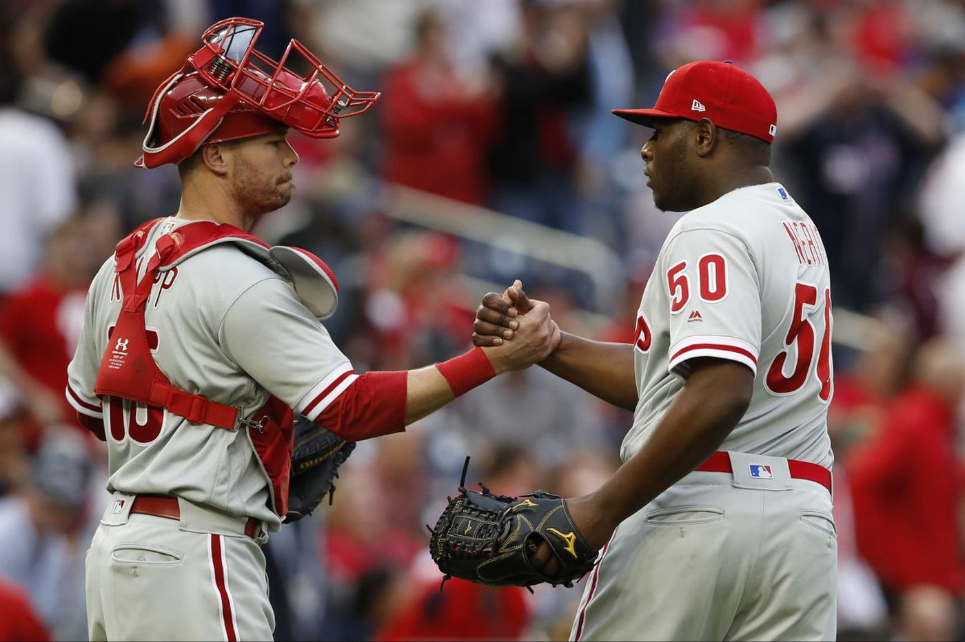 Pedro Florimon's heads-up fake-out in ninth helps clinch victory for Phillies