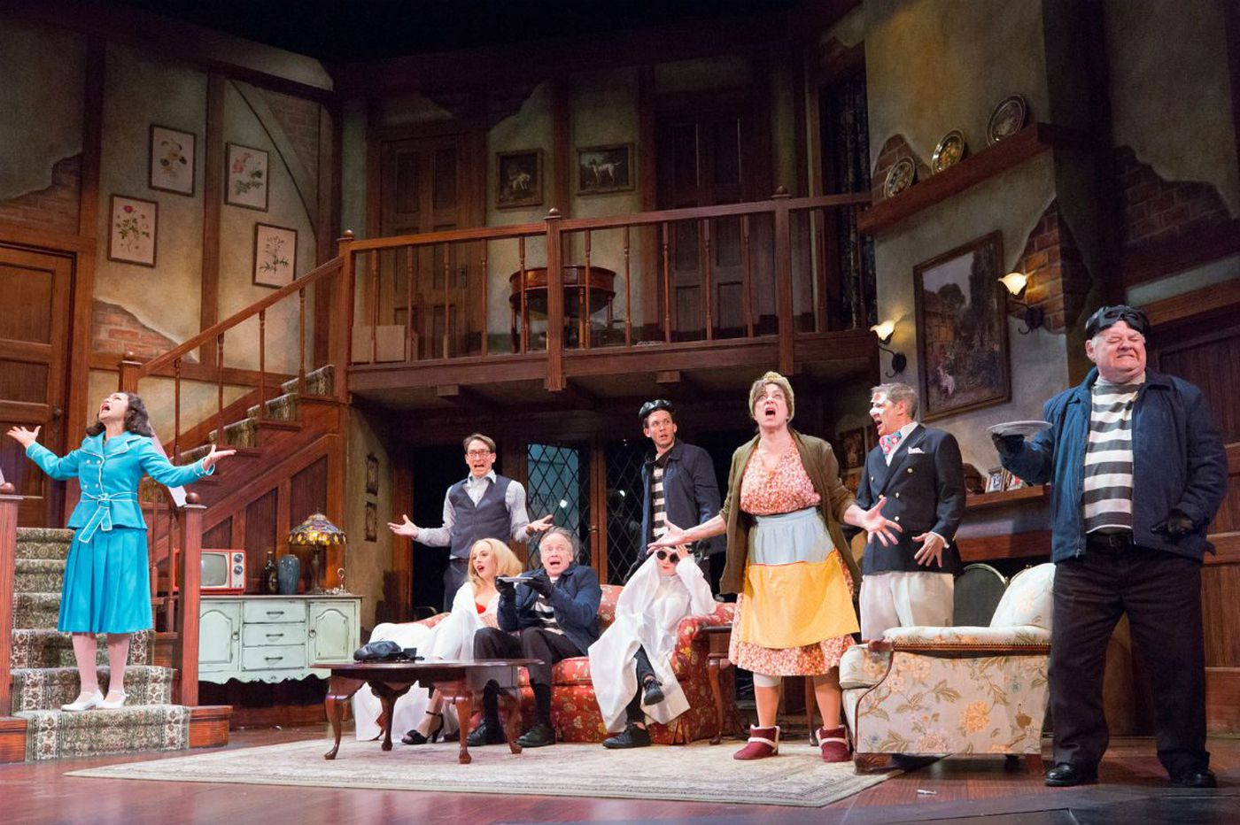 'Noises Off' at the Walnut Street Theatre gets farce exactly (disastrously!) right