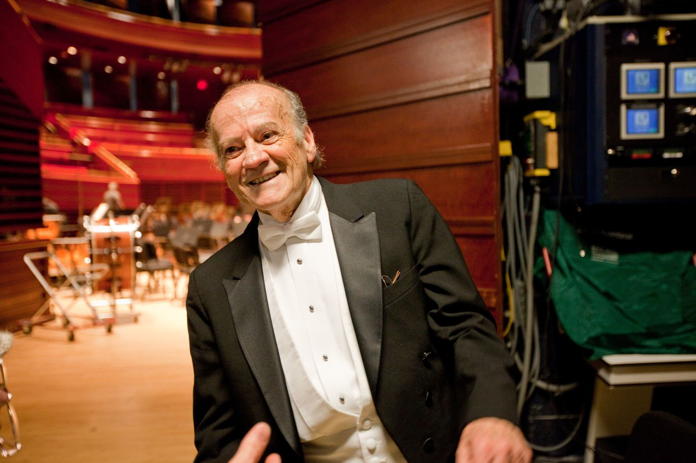 Conductor Luis Biava, 85, a Philadelphia Orchestra and Temple University mainstay