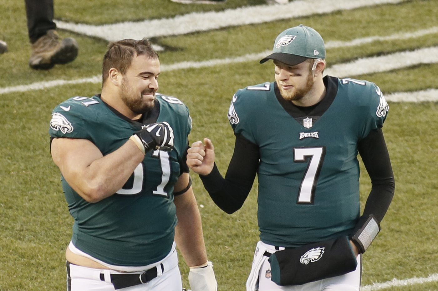 Eagles re-sign OL Stefen Wisniewski: What our beat writers think