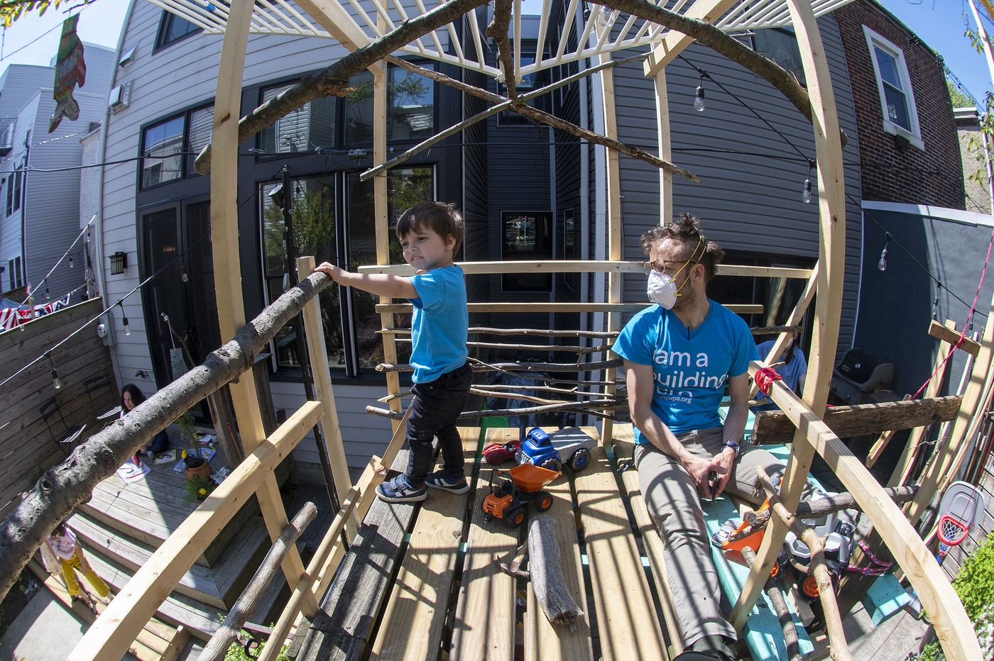 No playground? No problem. Philly architect built a treehouse in his rowhouse yard, and you can, too. | Inga Saffron