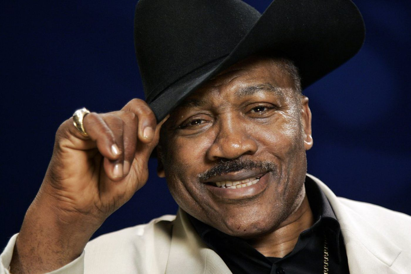Push on to name Philly street after 'Smokin' Joe' Frazier