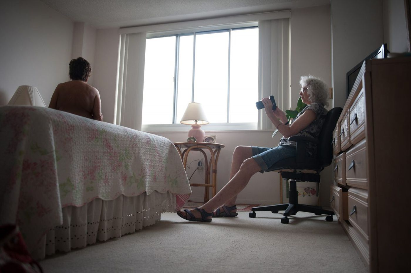 Photographer takes pictures of naked - and beautiful - older women