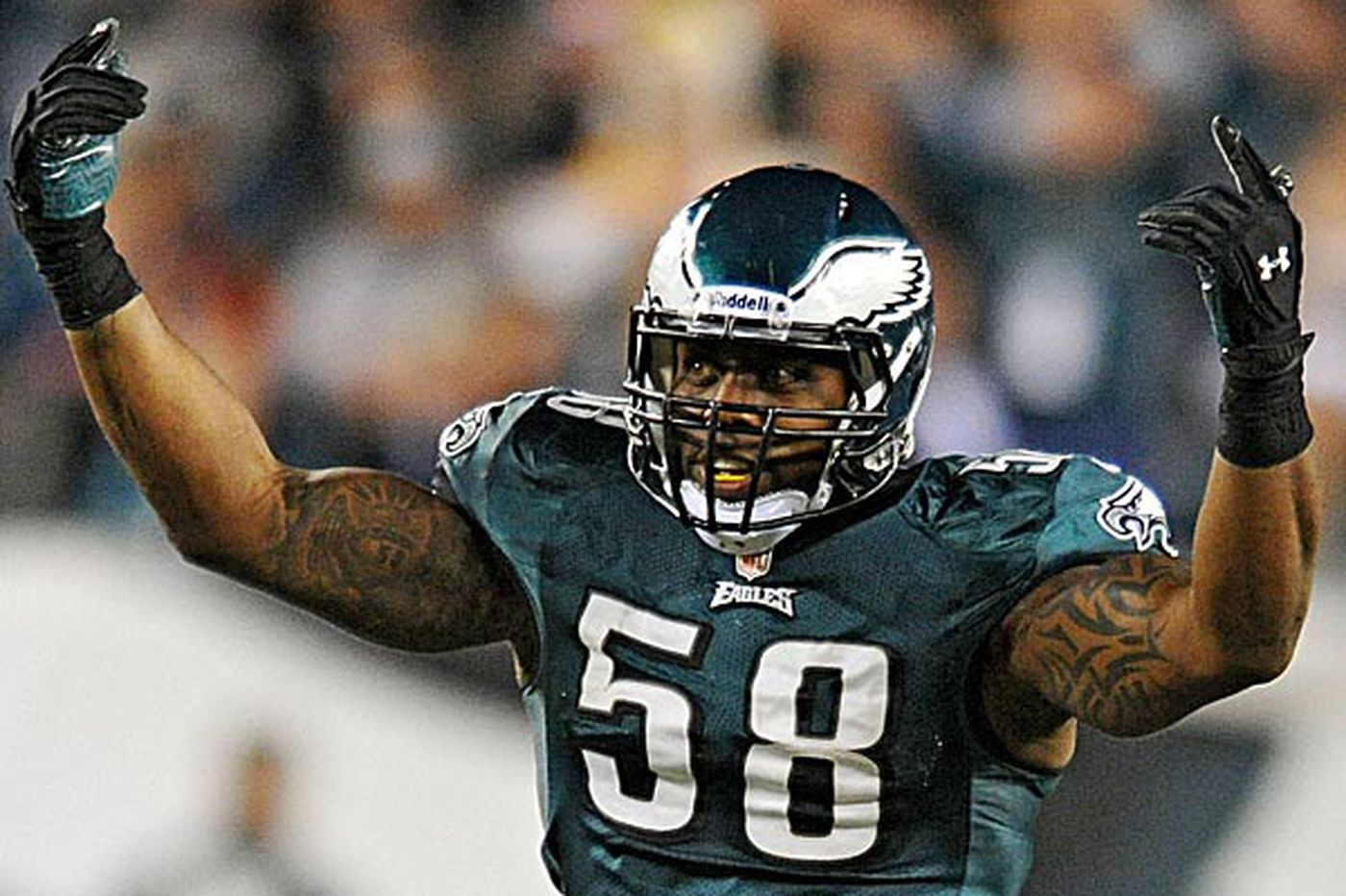 Eagles' defense getting sacks full of Cole