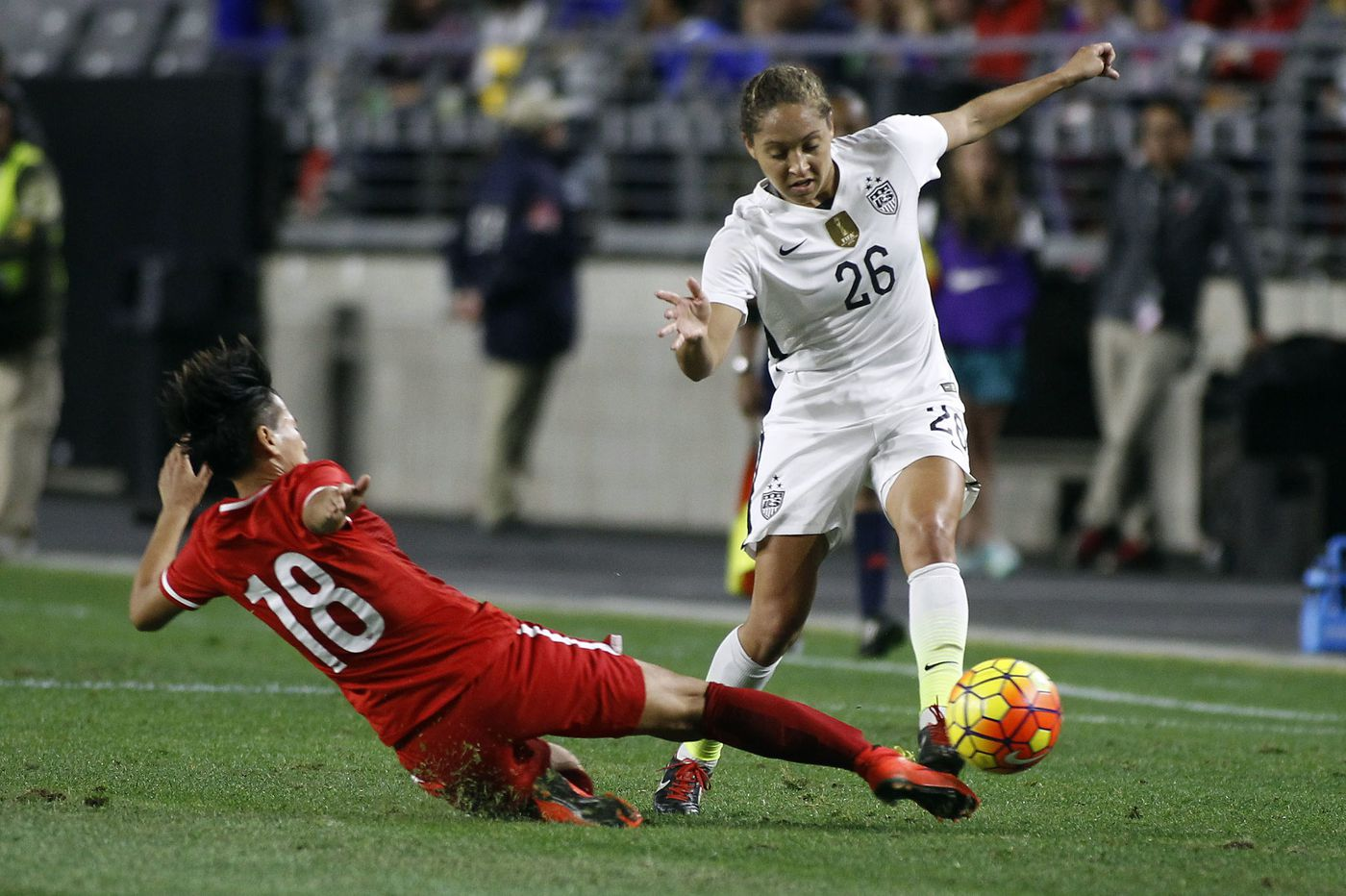 Jaelene Hinkle back on U S  women's soccer team for first