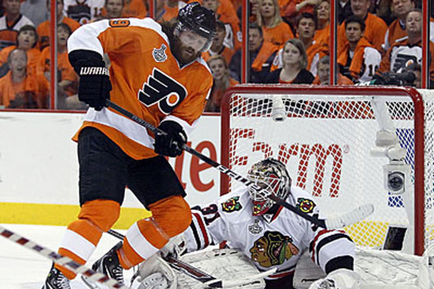 Flyers' Hartnell overcomes off-ice issues to rediscover success