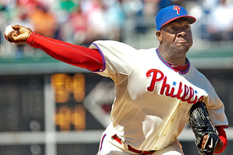 Phillies pitcher Jose Contreras picked up the save in Thursday's win over the Cubs.  ( David M Warren / Staff Photographer )
