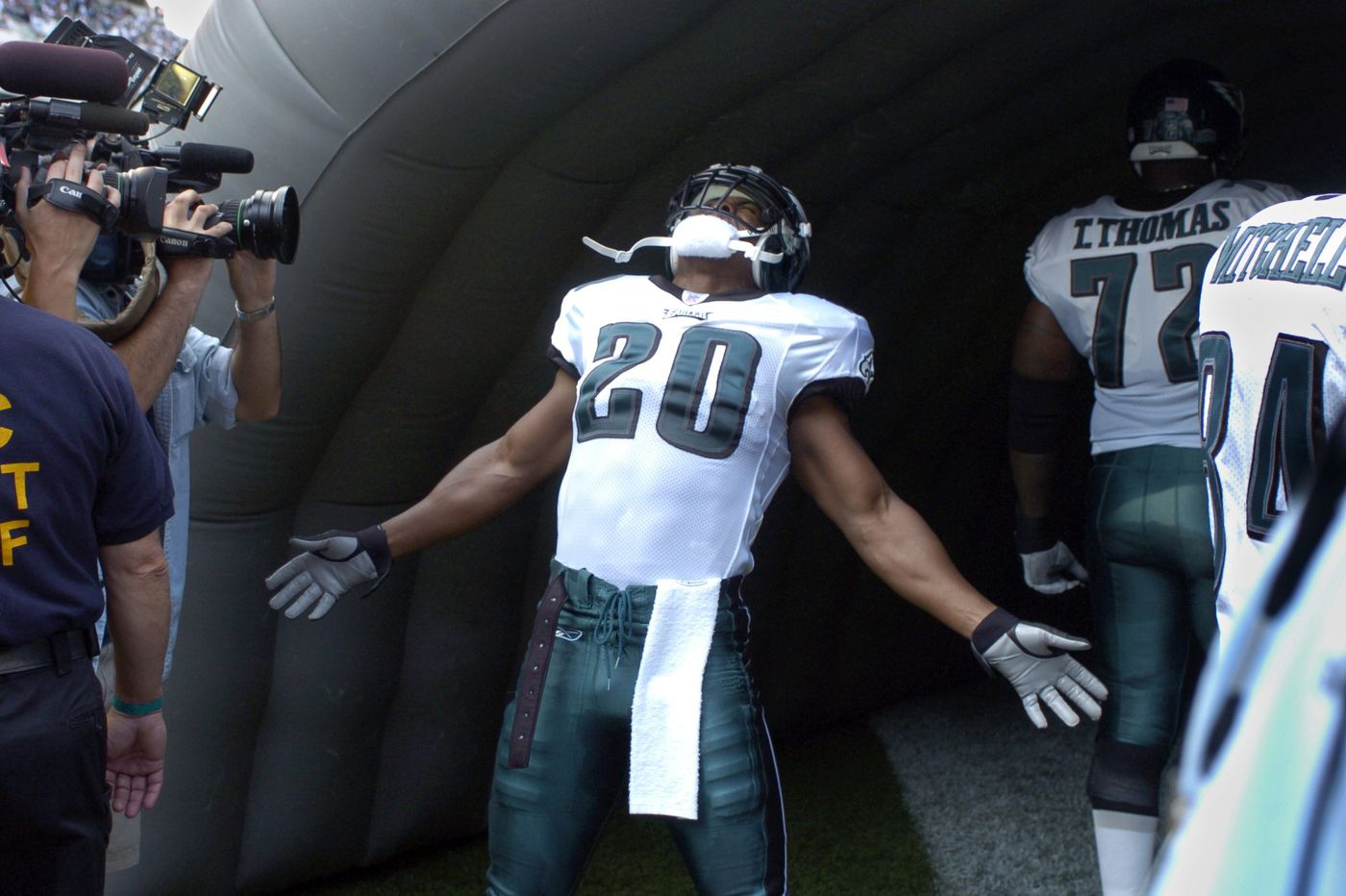 f43a789845f What you need to know about Brian Dawkins  Hall of Fame induction