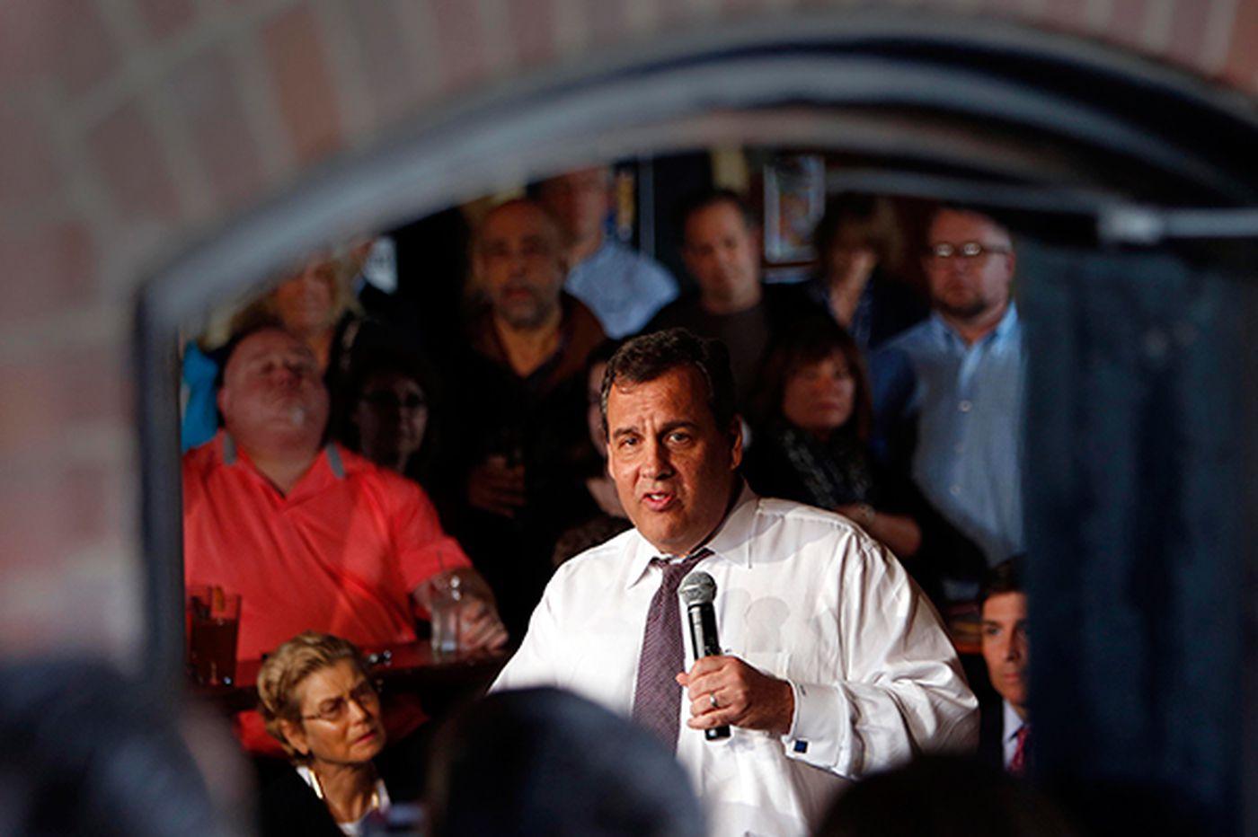 "Christie courts voters in New Hampshire, explains ""Bridgegate"""