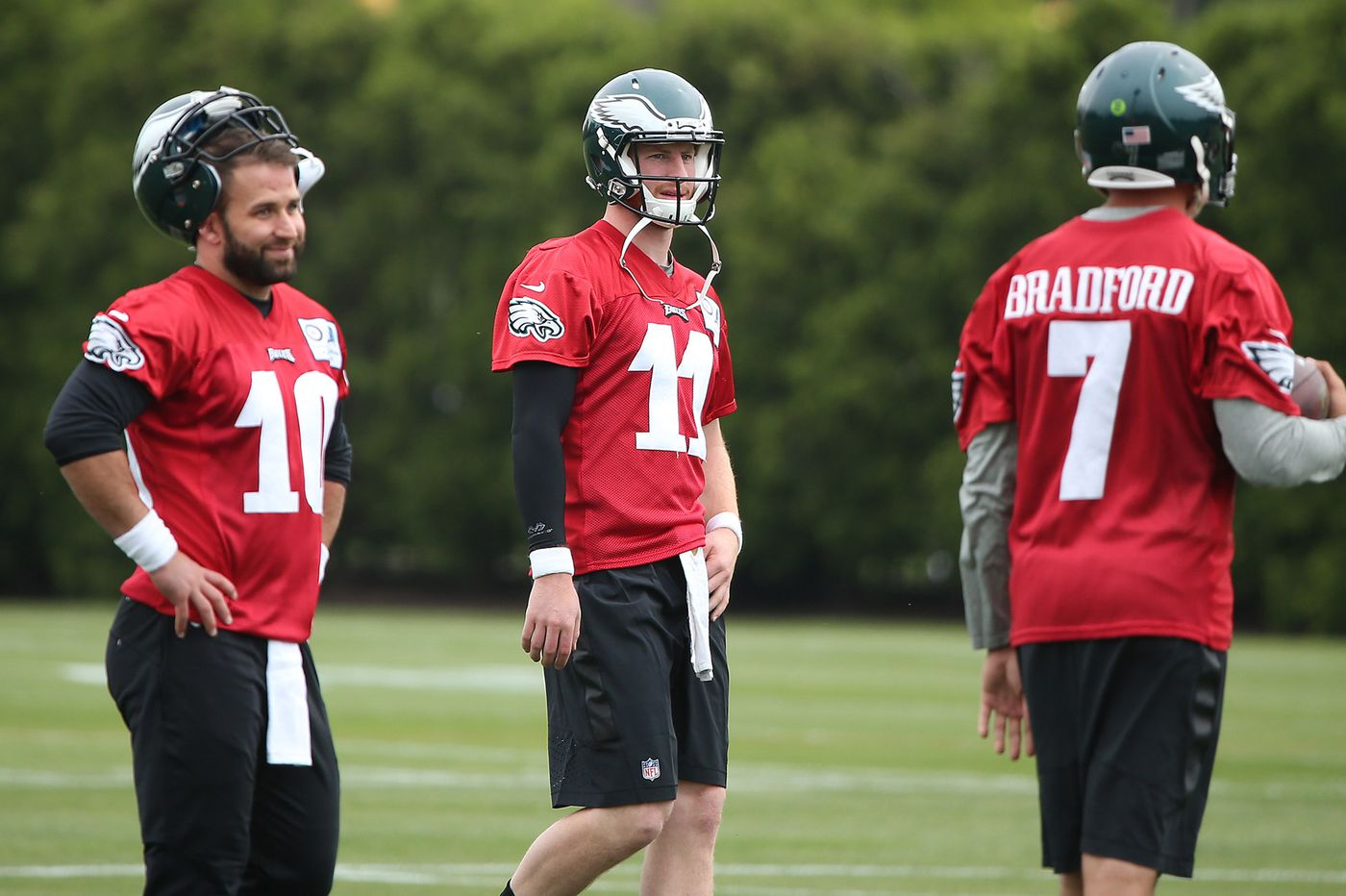 Will Carson Wentz embrace mentorship role with Jalen Hurts? Early signs are encouraging | Jeff McLane