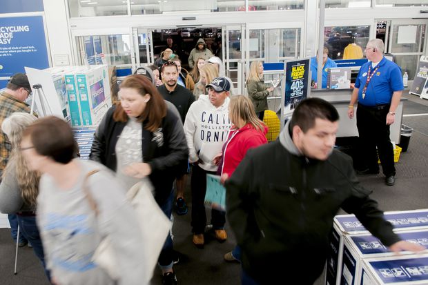 What's in store for retail workers this holiday | Editorial
