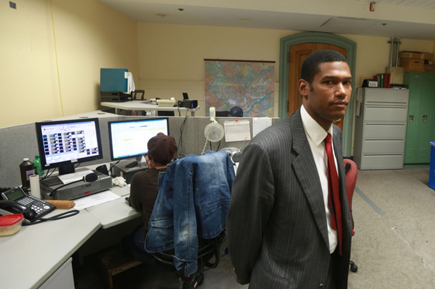 Ragged carpet, ringing phones: The life unglamorous in City Hall's 'secret VIP call center'