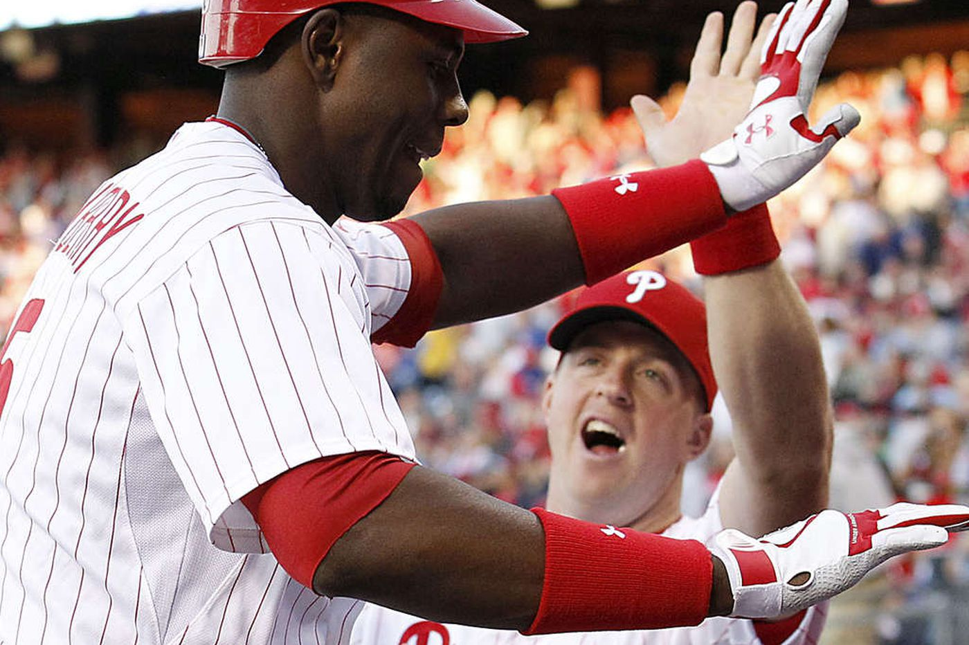 Phillies defeat Padres