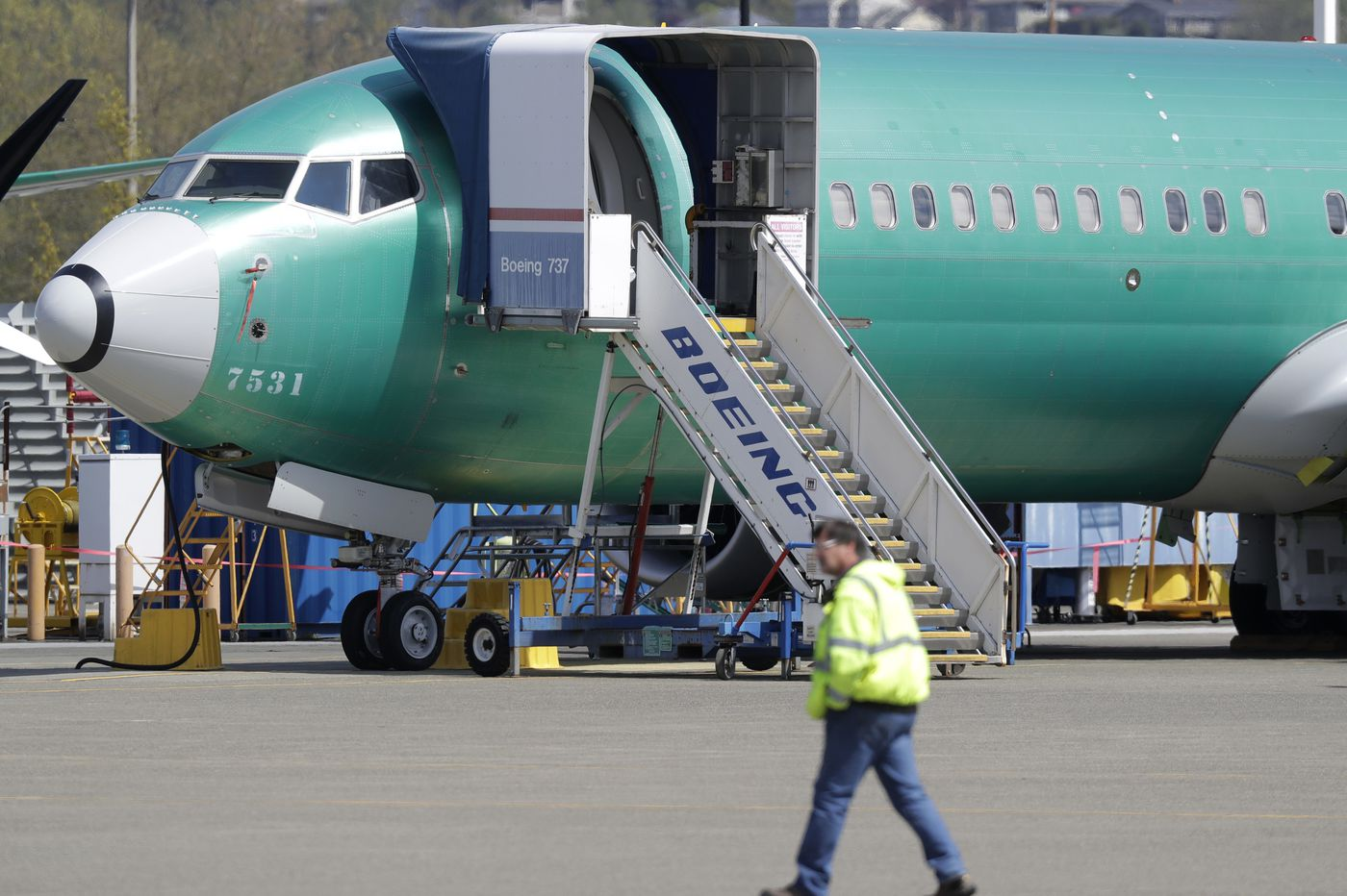 Text messages show Boeing employees knew in 2016 of problems that turned deadly on the 737 Max