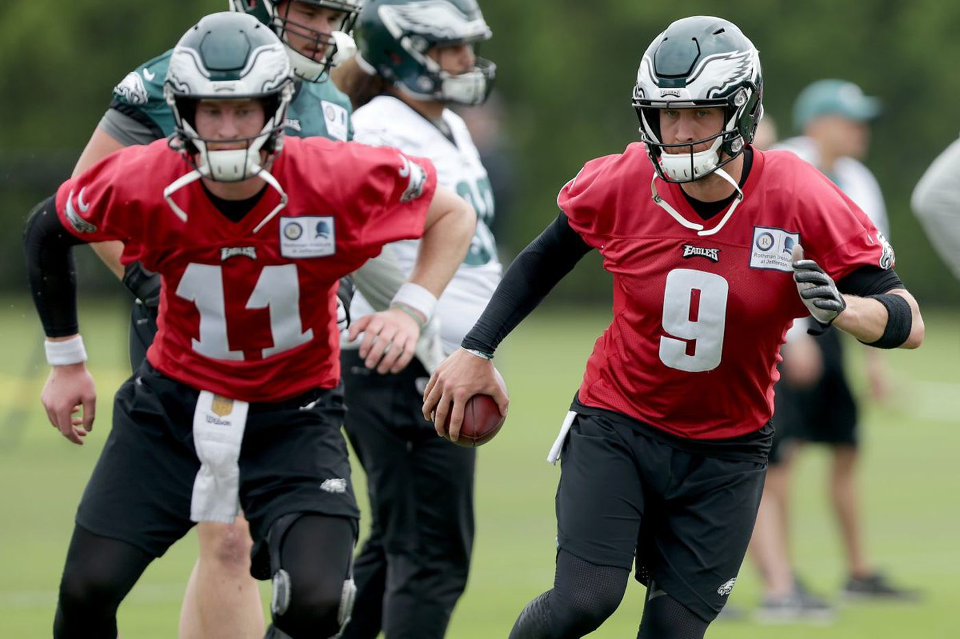 Eagles practice observations: Carson Wentz does more (again); Sidney Jones intercepts; De'Vante Bausby gets some looks