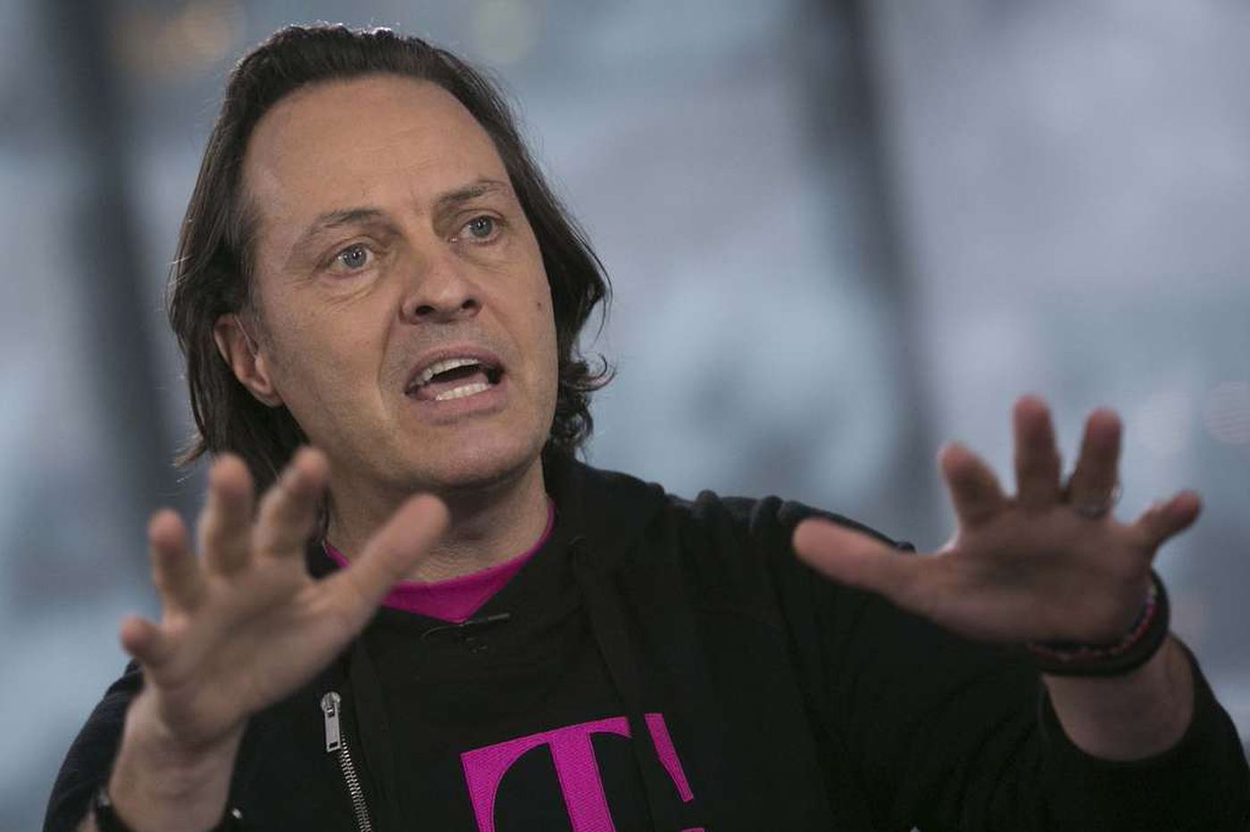 Tech Life: T-Mobile announces consumer-friendly 'Data Stash'