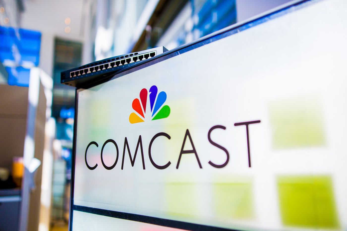 Comcast revenues climb on strong theme parks, films