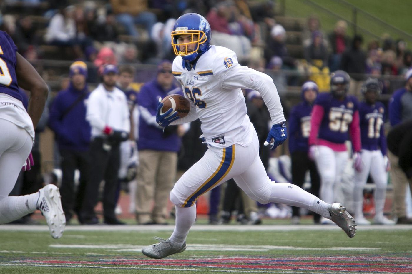 Eagles draft Dallas Goedert out of South Dakota State in second round of NFL draft