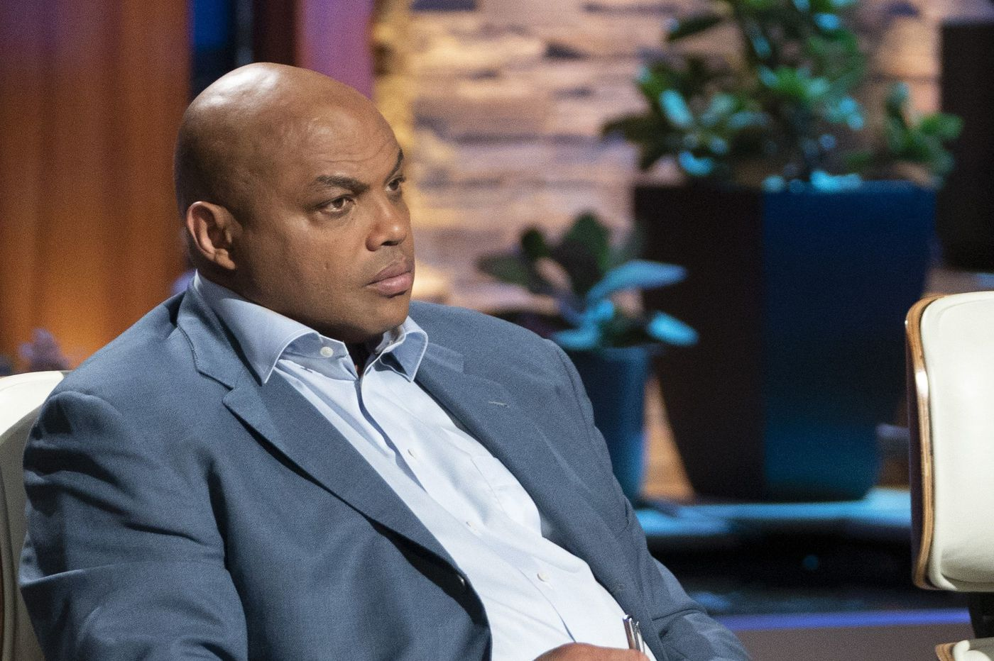 Charles Barkley funds foot odor product, shades Shaq on 'Shark Tank'