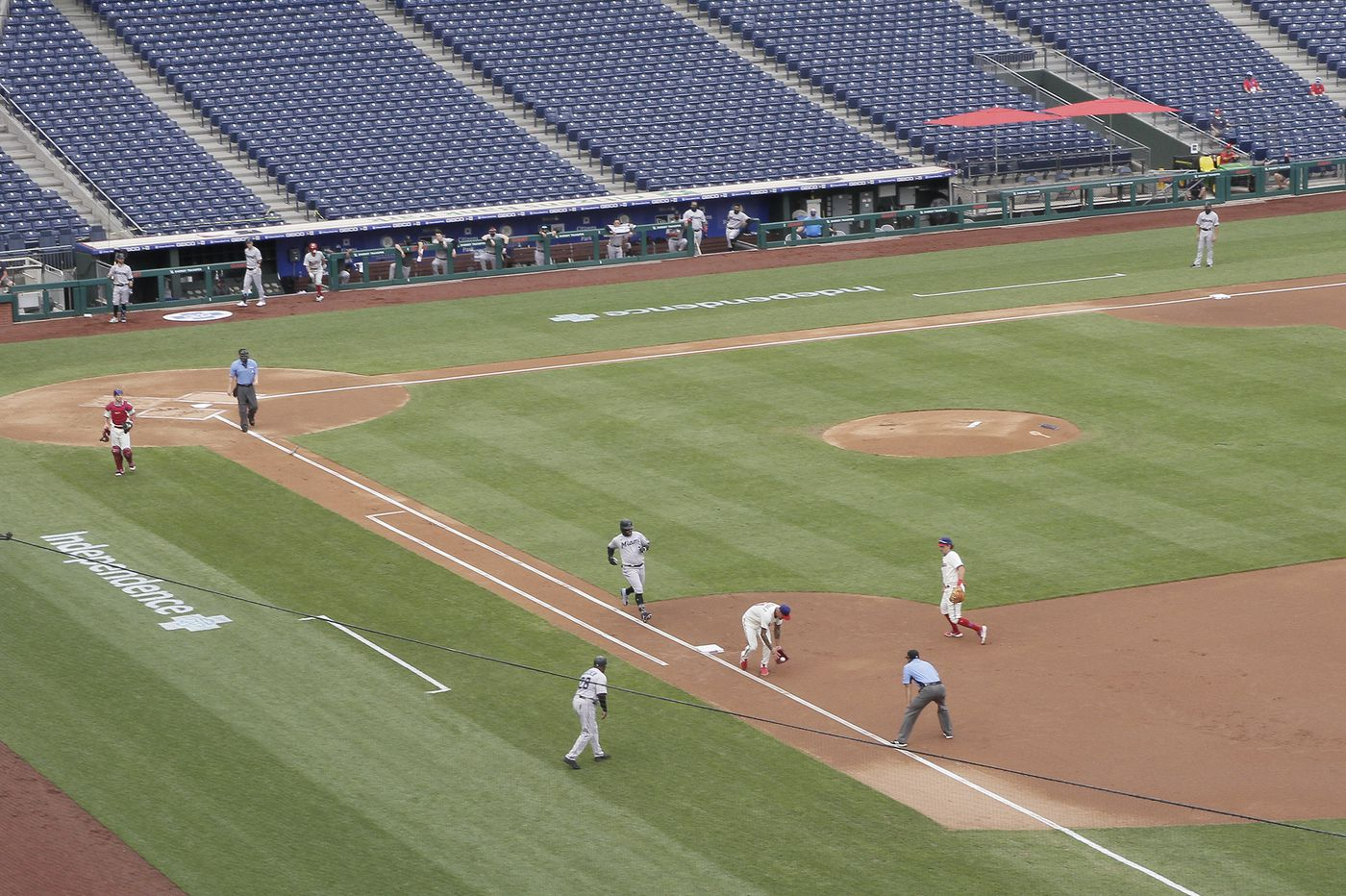 After COVID-19 outbreak, the Marlins decided via group text message to play Sunday vs. the Phillies