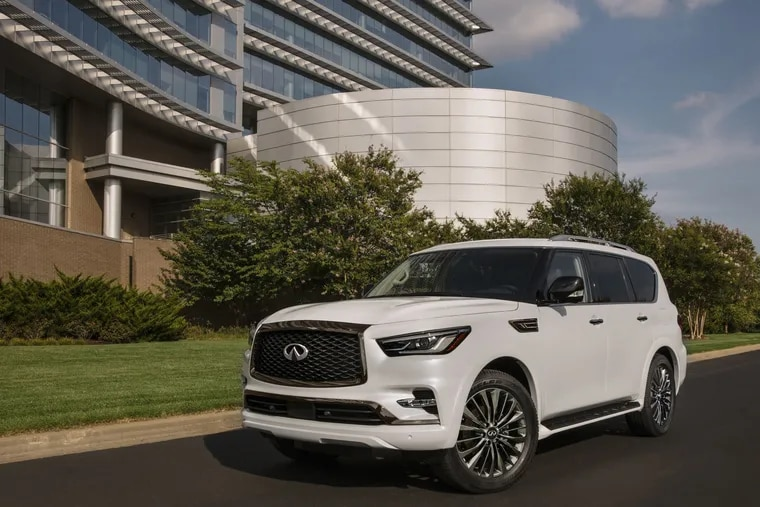 The 2021 Infiniti QX80 is an attractive beast, with hot-rod performance and acceptable handling.