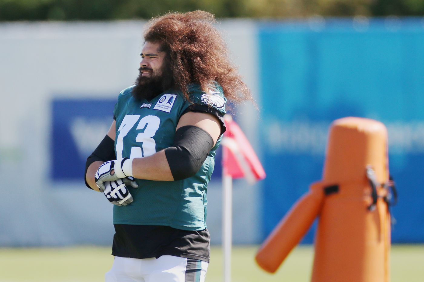 Knee injury sidelines Isaac Seumalo for a while, Eagles resurrect Matt Pryor as his left-guard replacement