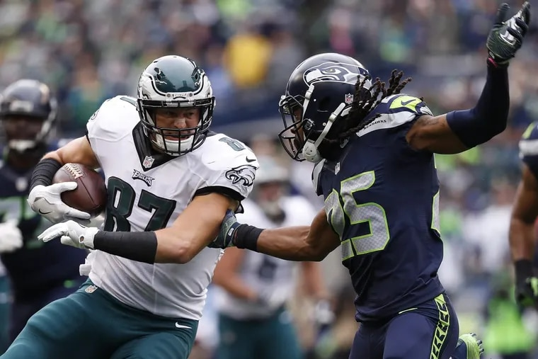 Eagles' Brent Celek, left, takes on the Seahawks' Richard Sherman, right. The Philadelphia Eagles lose 26-15 to the Seattle Seahawks in Seattle, WA on November 20, 2016. DAVID MAIALETTI / Staff Photographer