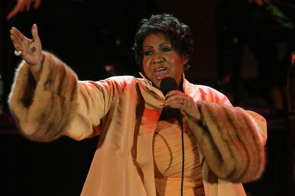 Diana Ross, Elton John, other celebrities react to Aretha Franklin's death