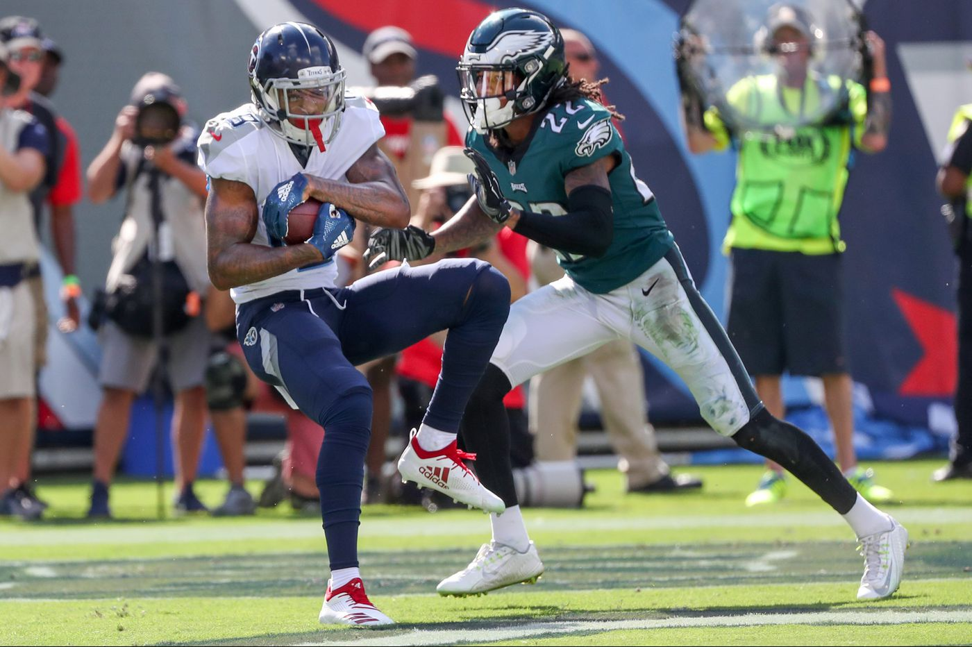 Would Sidney Jones replacing Jalen Mills or Ronald Darby at starting cornerback right Eagles' wrongs? | Film breakdown