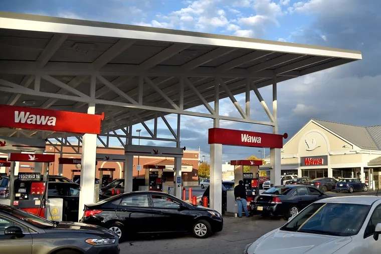 The super-sized Wawa convenience-store-and-gas-station combo at 2535 Aramingo Avenue in 2017.