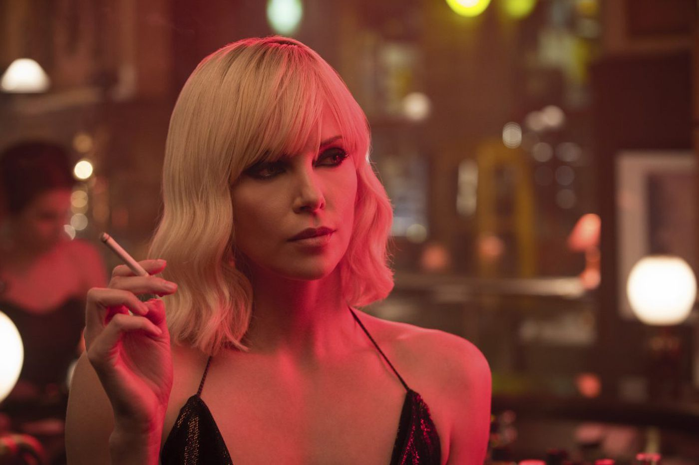 'Atomic Blonde': Charlize Theron kicks butt through Berlin