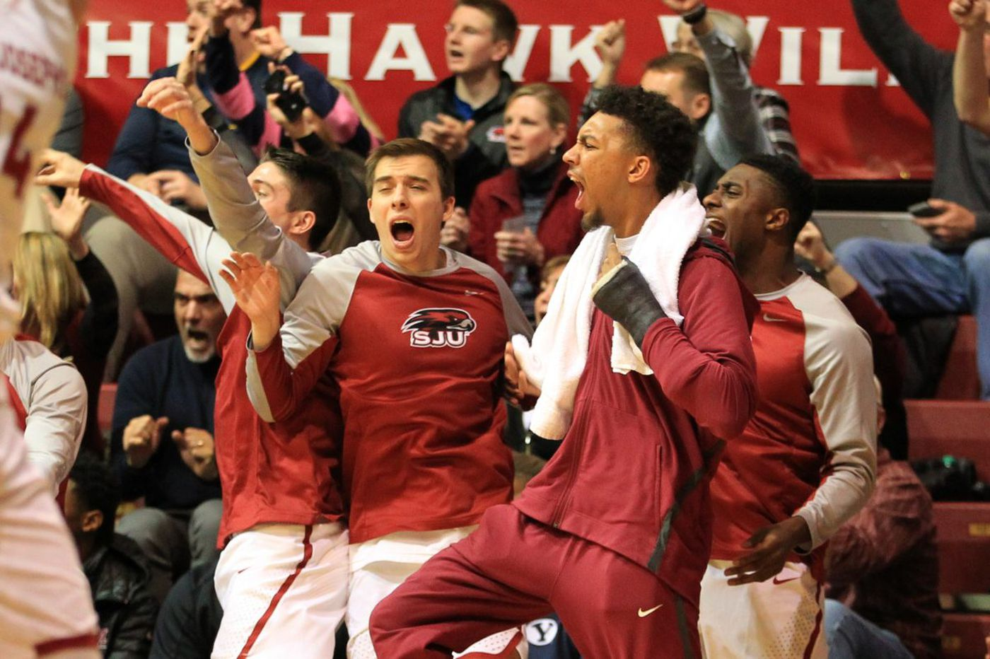 St. Joseph's beats Duquesne for third straight win