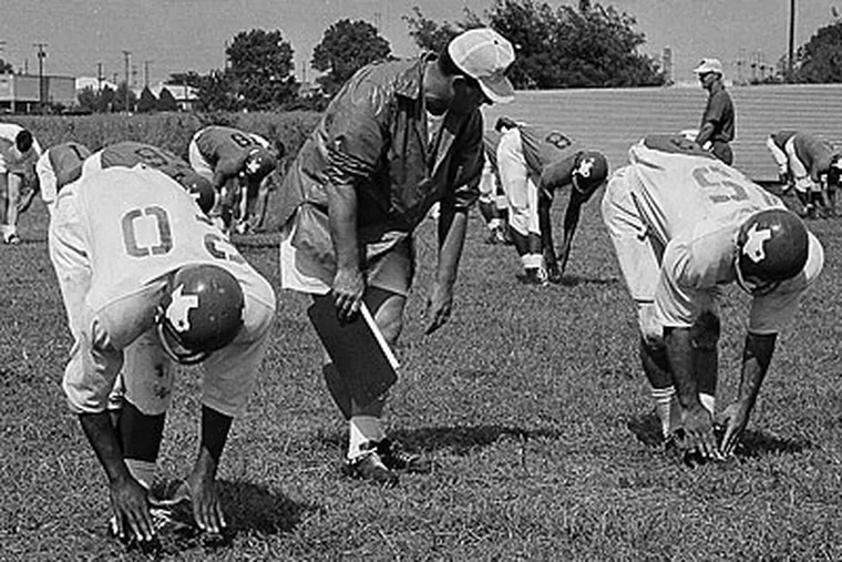 Bill Walsh began his coaching career overseeing the Dallas Texans' offensive line in the 1960s. (Dave Taylor/AP file photo)