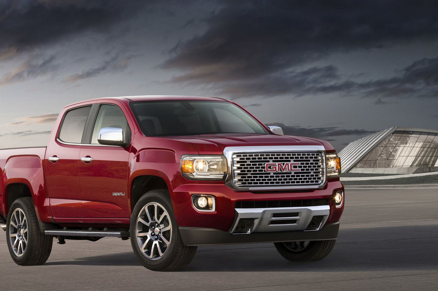 2019 GMC Canyon sacrifices space even among midsize pickups