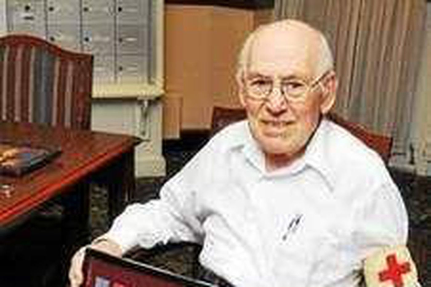 Frank L. Miller, 104, decorated World War II Army surgeon and family doctor