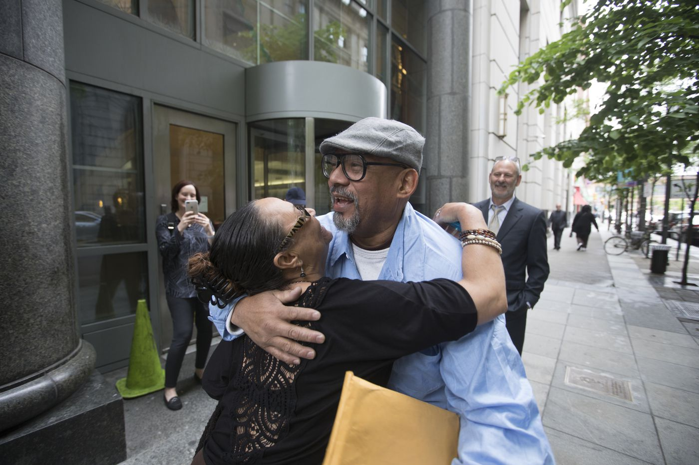 Philly man freed from 28 years on death row after finding of prosecutor's misconduct