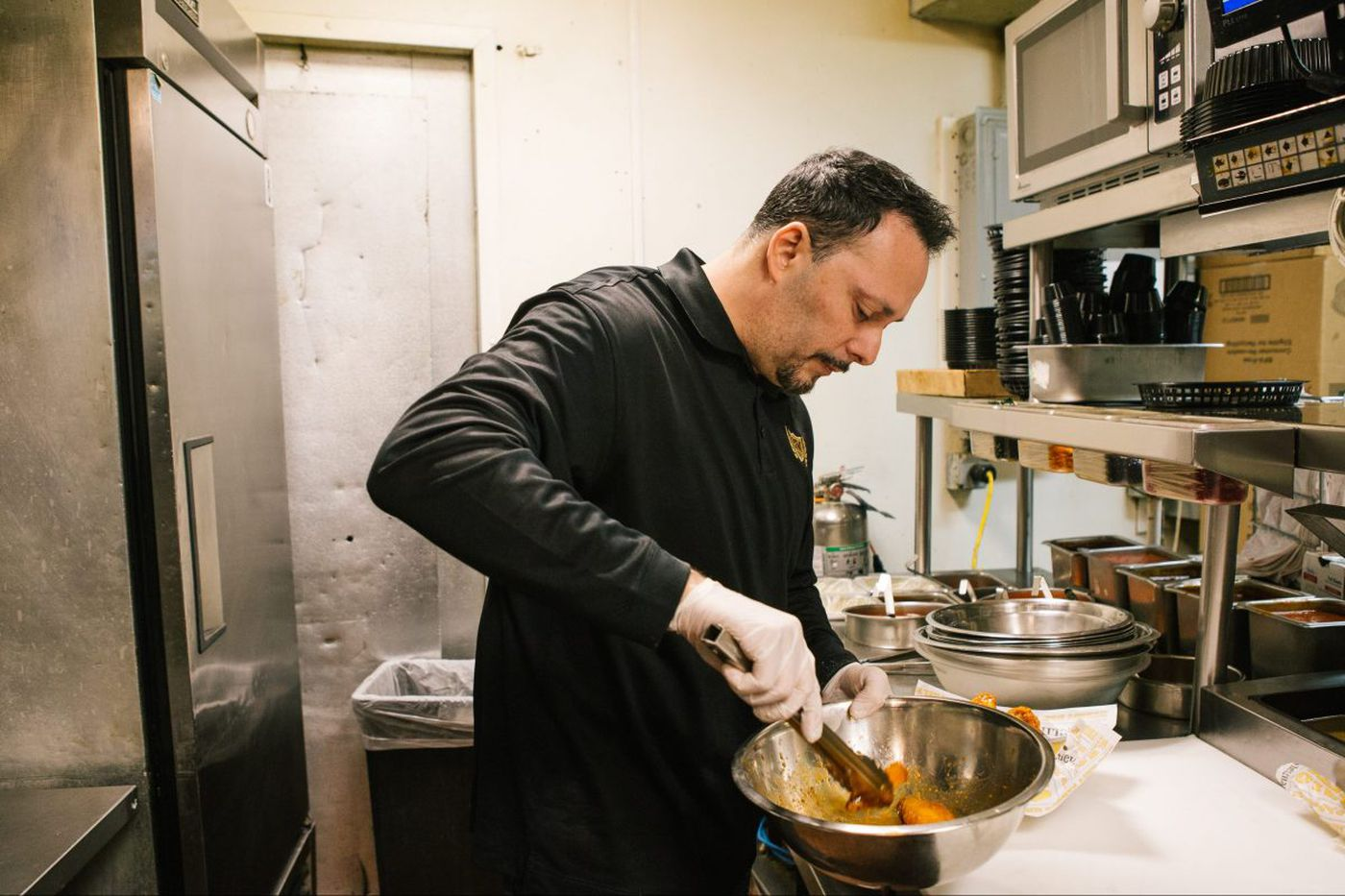 Wing Bowl's wingman: Philly chef cooks 10,000 chicken wings   We the People