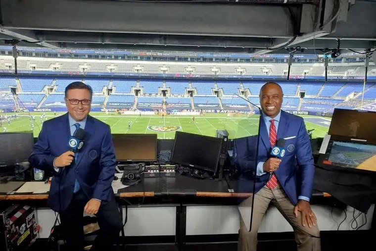 Play-by-play announcer Ian Eagle (left) and analyst Charles Davis will call the Eagles' Week 4 game against the Kansas City Chiefs Sunday on CBS.