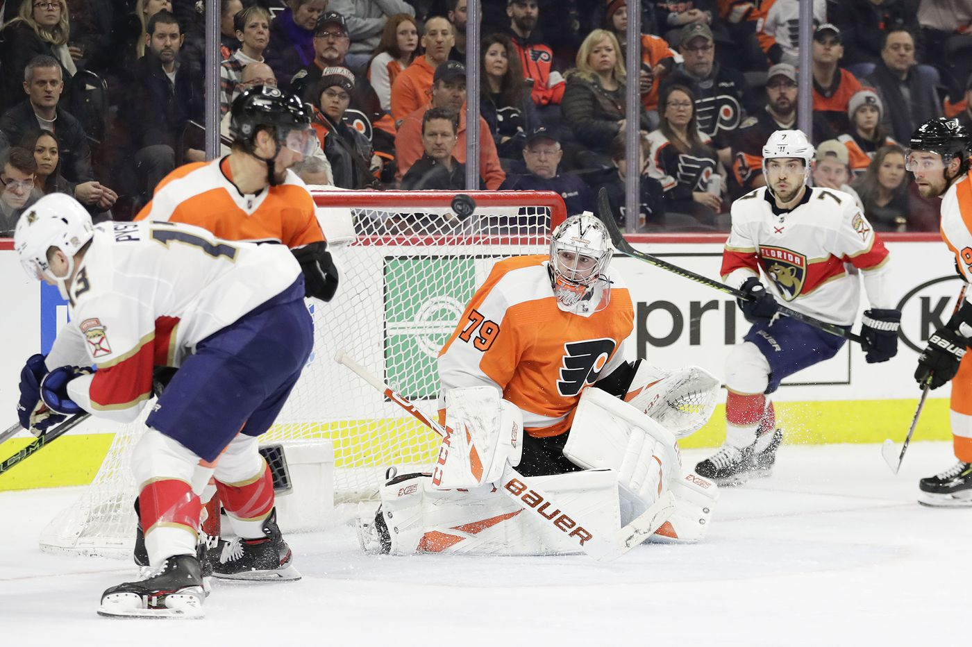 Flyers goalie Carter Hart searching for road success | On the Fly