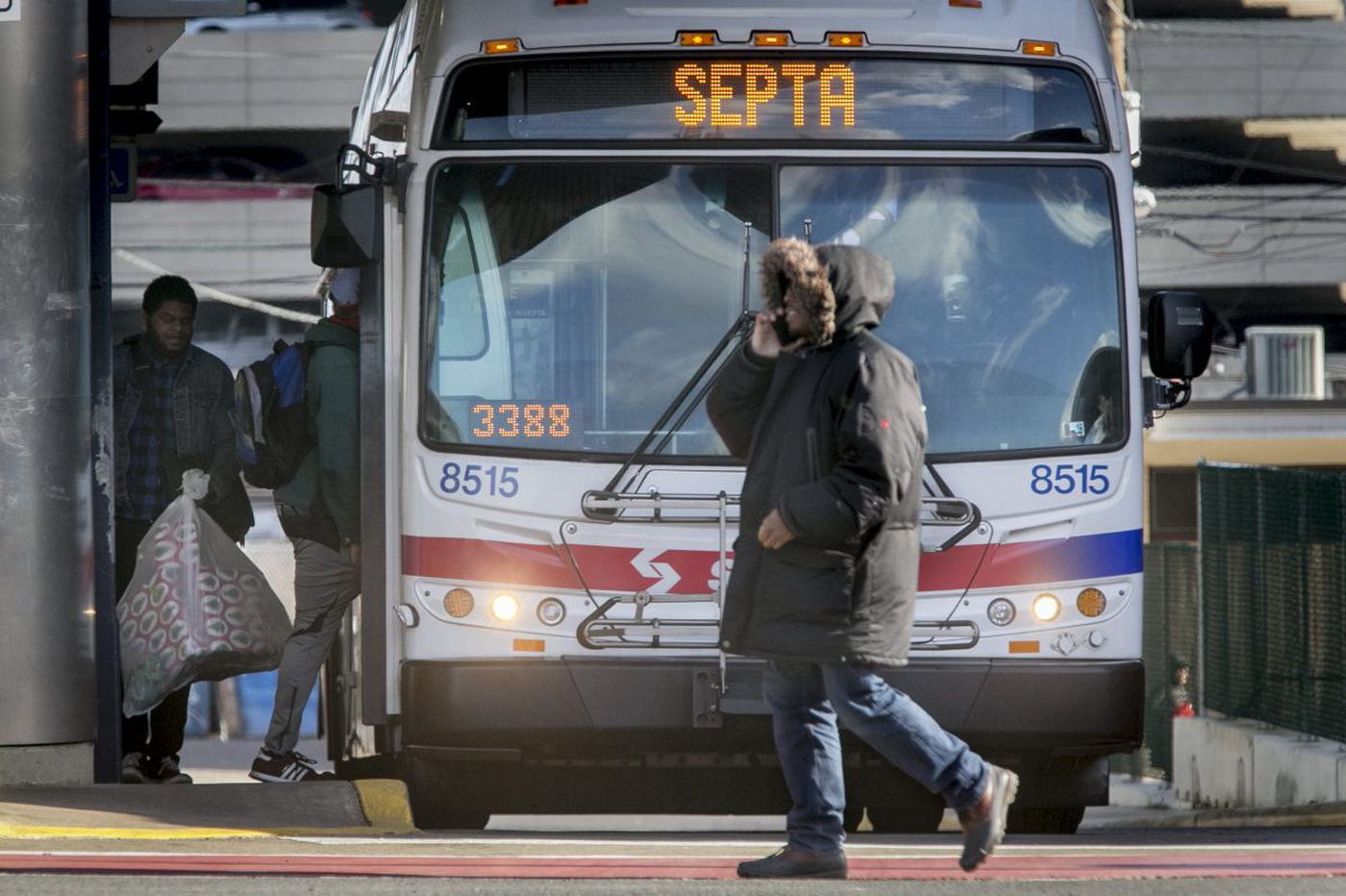 SEPTA bus passenger hurt in screwdriver attack