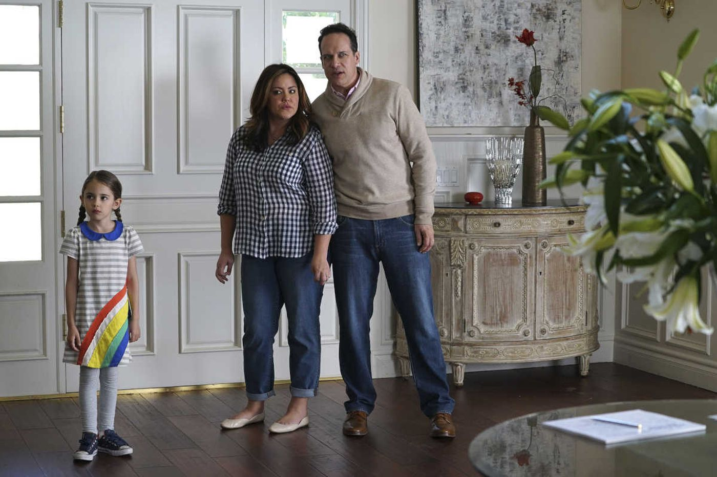 'American Housewife': Fitting in on ABC by not completely fitting in