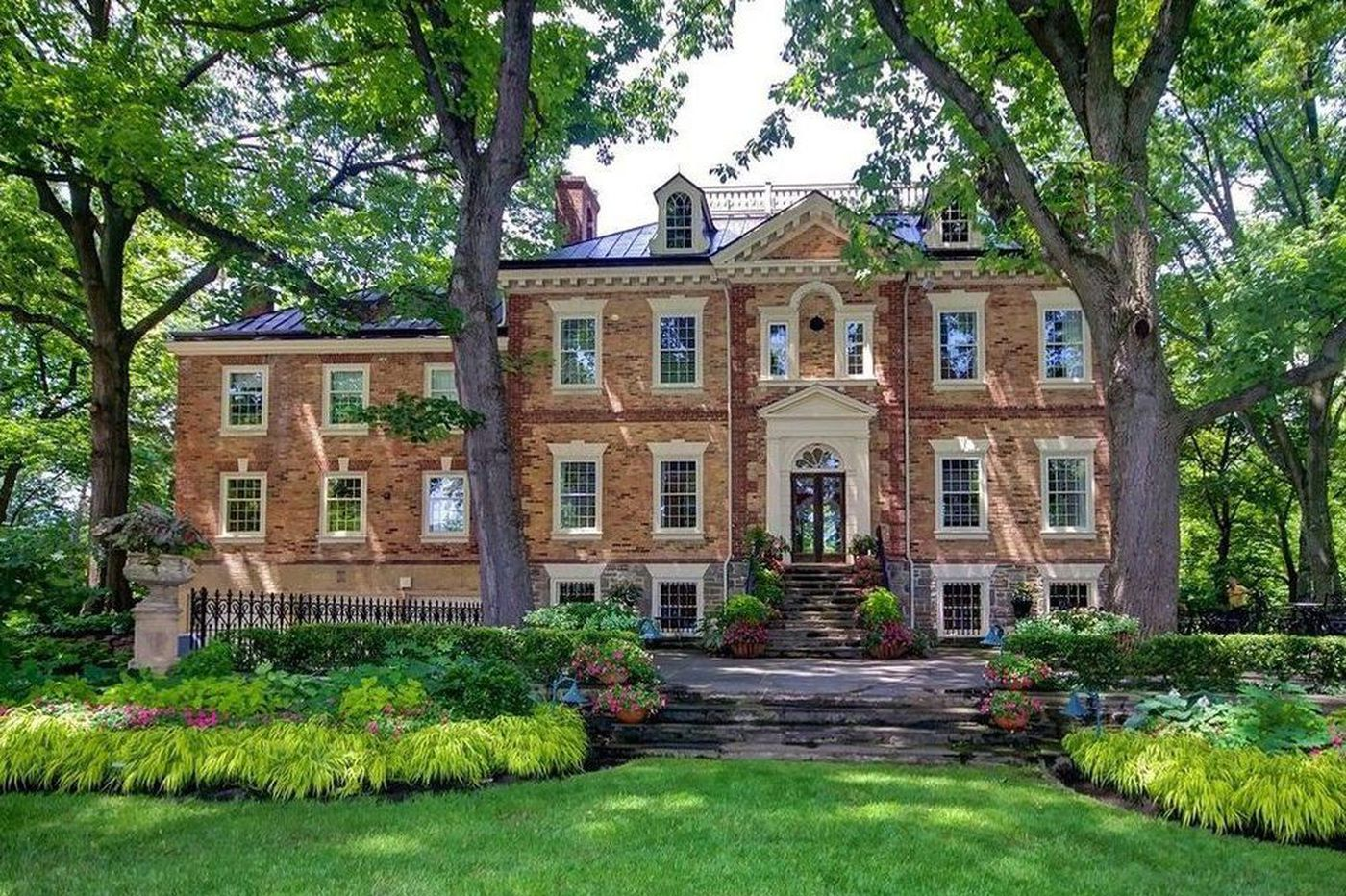 Three suburban Philadelphia houses where you could host your own flower show