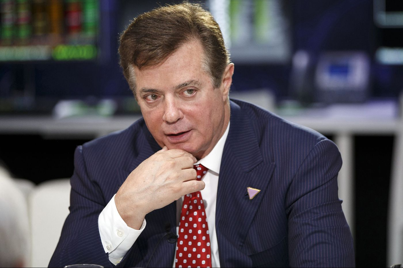 Could Paul Manafort, Julian Assange bombshell be the beginning of the end for Trump? | Will Bunch