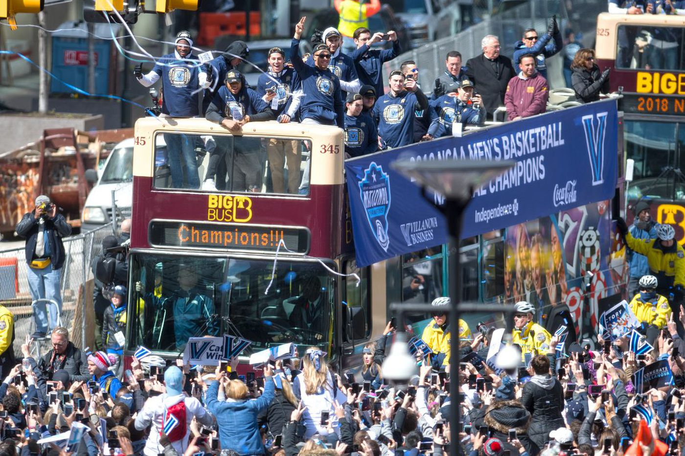 Jay Wright and Villanova Wildcats parade down Market Street, staking claim as Philly icons