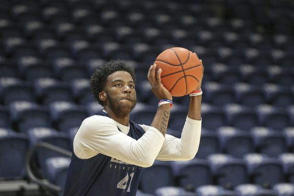 Injuries leave No. 10 Villanova a little short at guard entering new season | College basketball preview