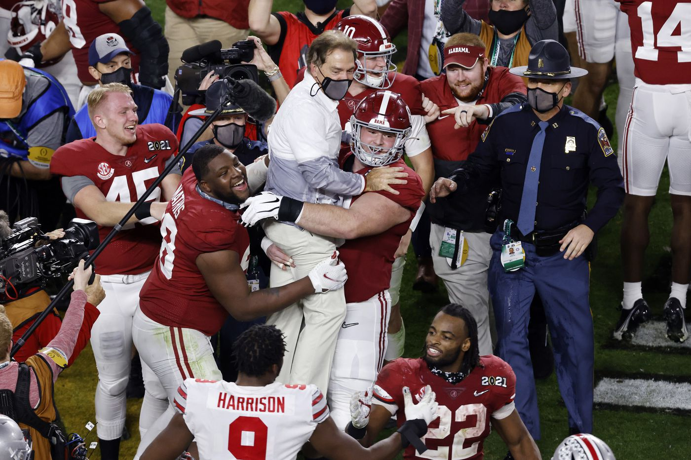 Alabama claims college football national championship with win over Ohio State
