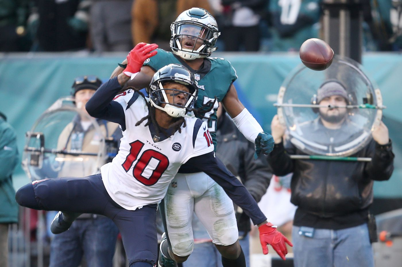 After solid first half, Eagles' defense stumbles late, gets bailed out by Nick Foles, Jake Elliott vs. Texans